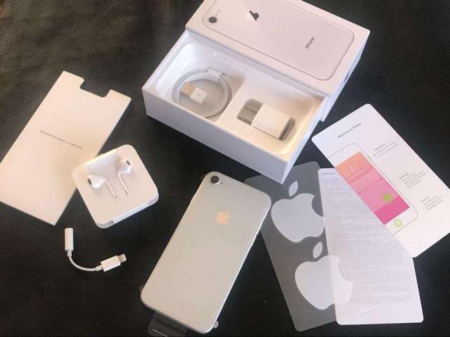 iPhone 8 256Gb Silver de Paquete