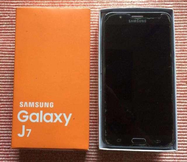 Samsung J 7 Para Repuesto. Display Dañado. En Urdesa