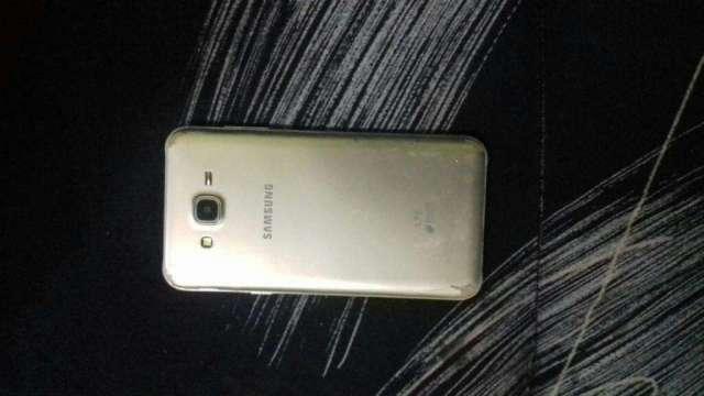 Vendo Samsung J7 Normal