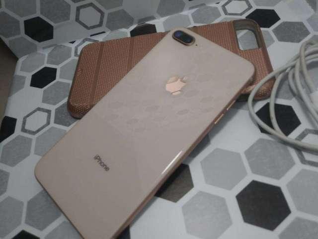 iPhone 8 64gb Plus Gold