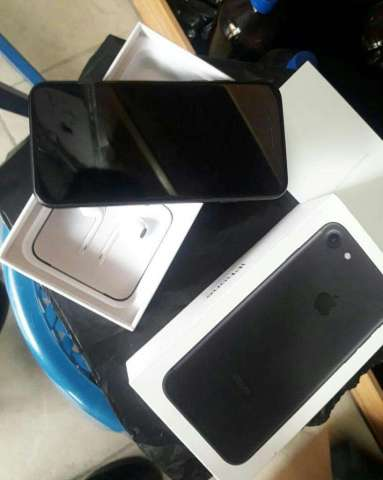 iPhone 7 de 32 Gb en Caja