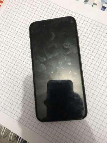 iPhone 8 para Repuesto si prende