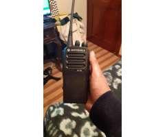 RADIO DIGITAL MOTOROLA DEP450 UHF TODO EL RANGO