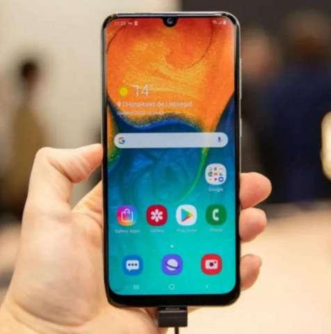 Samsung A30, 2019.